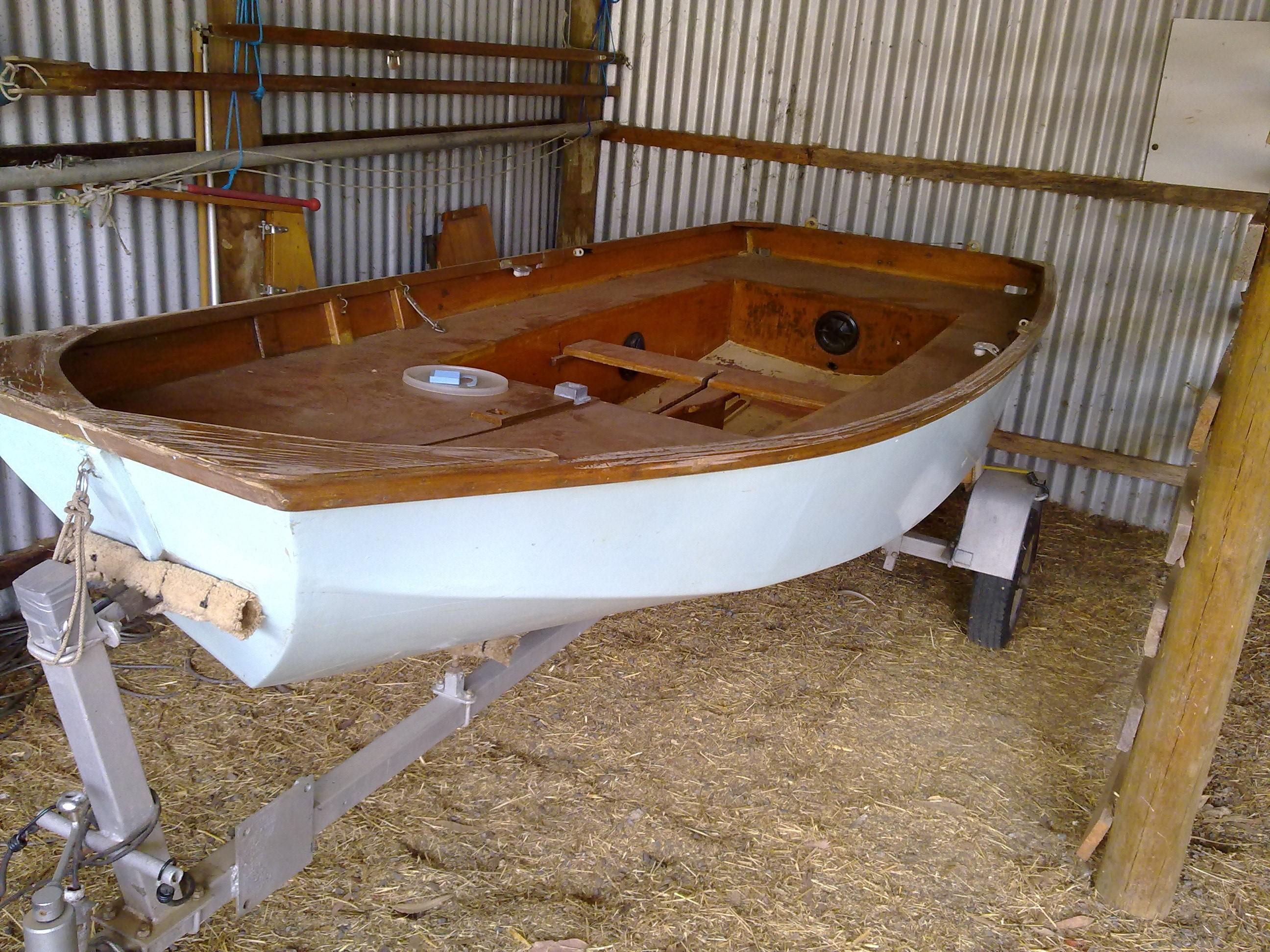 mirror dinghy 41569 the golden rule. Black Bedroom Furniture Sets. Home Design Ideas